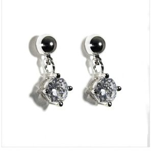 NWT RS Convenant NWT Cubic Zirconia Drop Earrings